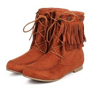 Shoes - Women Suede Fringe Lace Up Flat Moccasin Boot